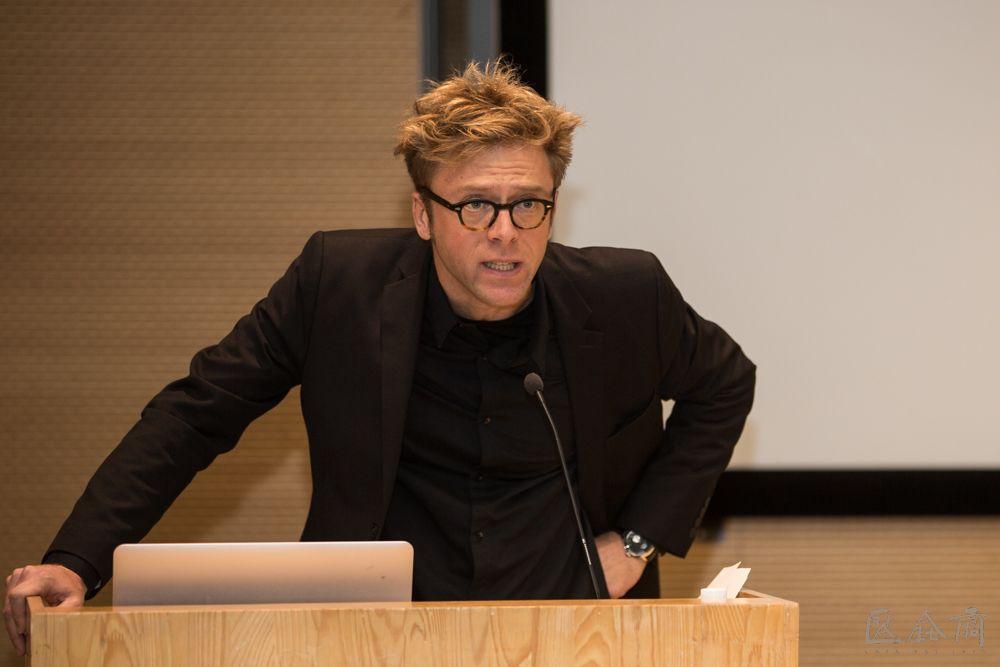 01-The-speaker-Arne-De-Boever.jpg